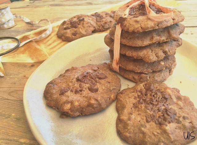 Sencillas cookies de chocolate y nueces