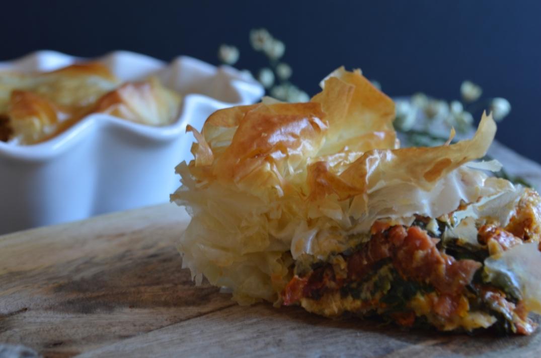 Pastel crujiente de tomates y queso feta