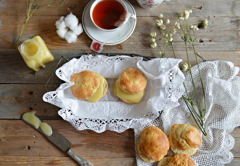 scones rellenos de lemon curd