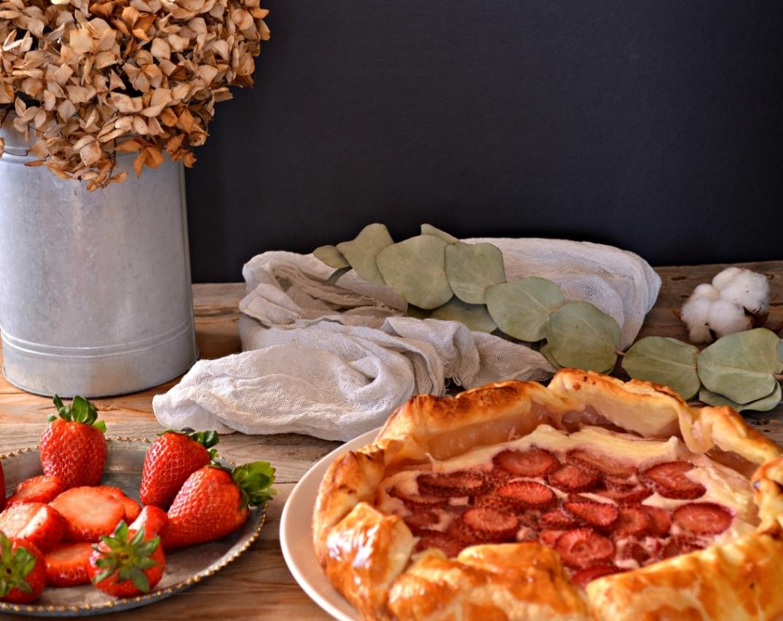 Galette de queso batido y fresas