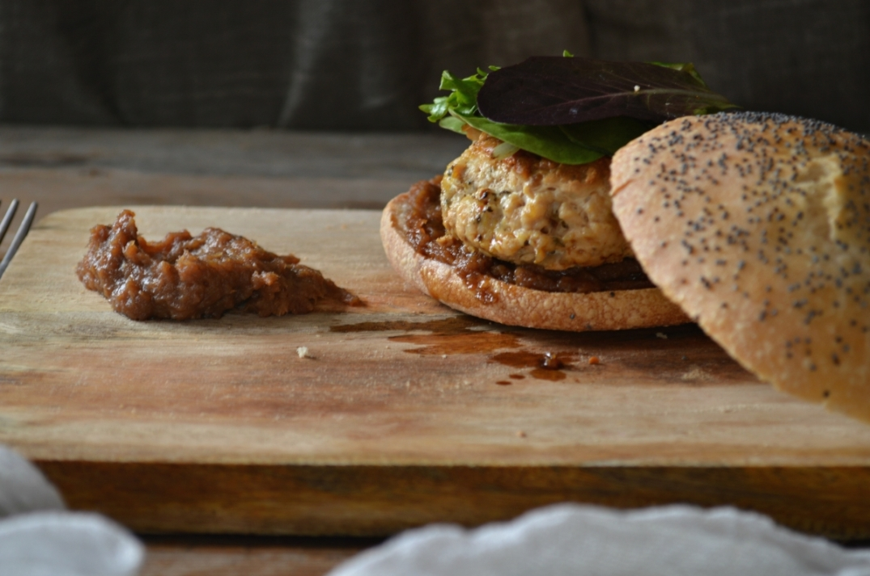 hamburguesa de pavo con confitura de membrillo y queso gorgonzola