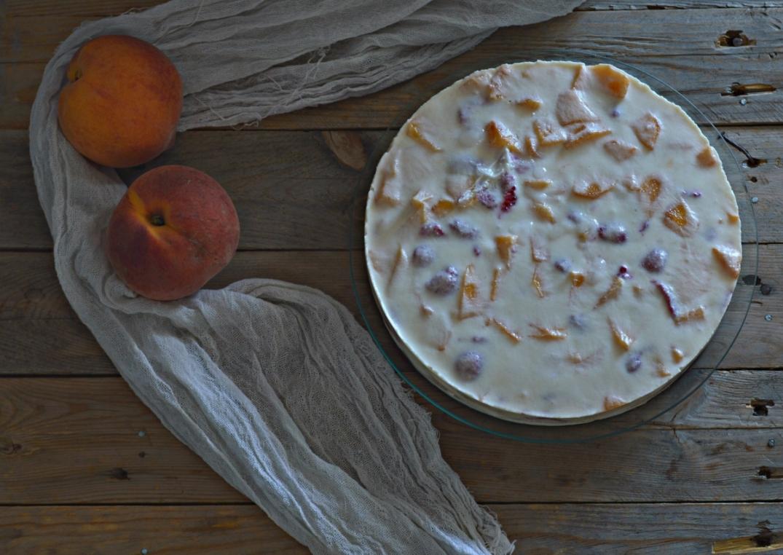 Tarta helada de yogur y melocotón