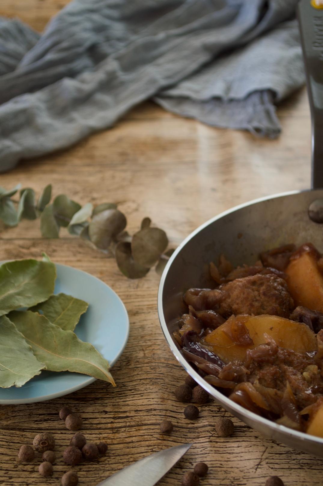 Albóndigas con chutney de cebolla morada, para repetir